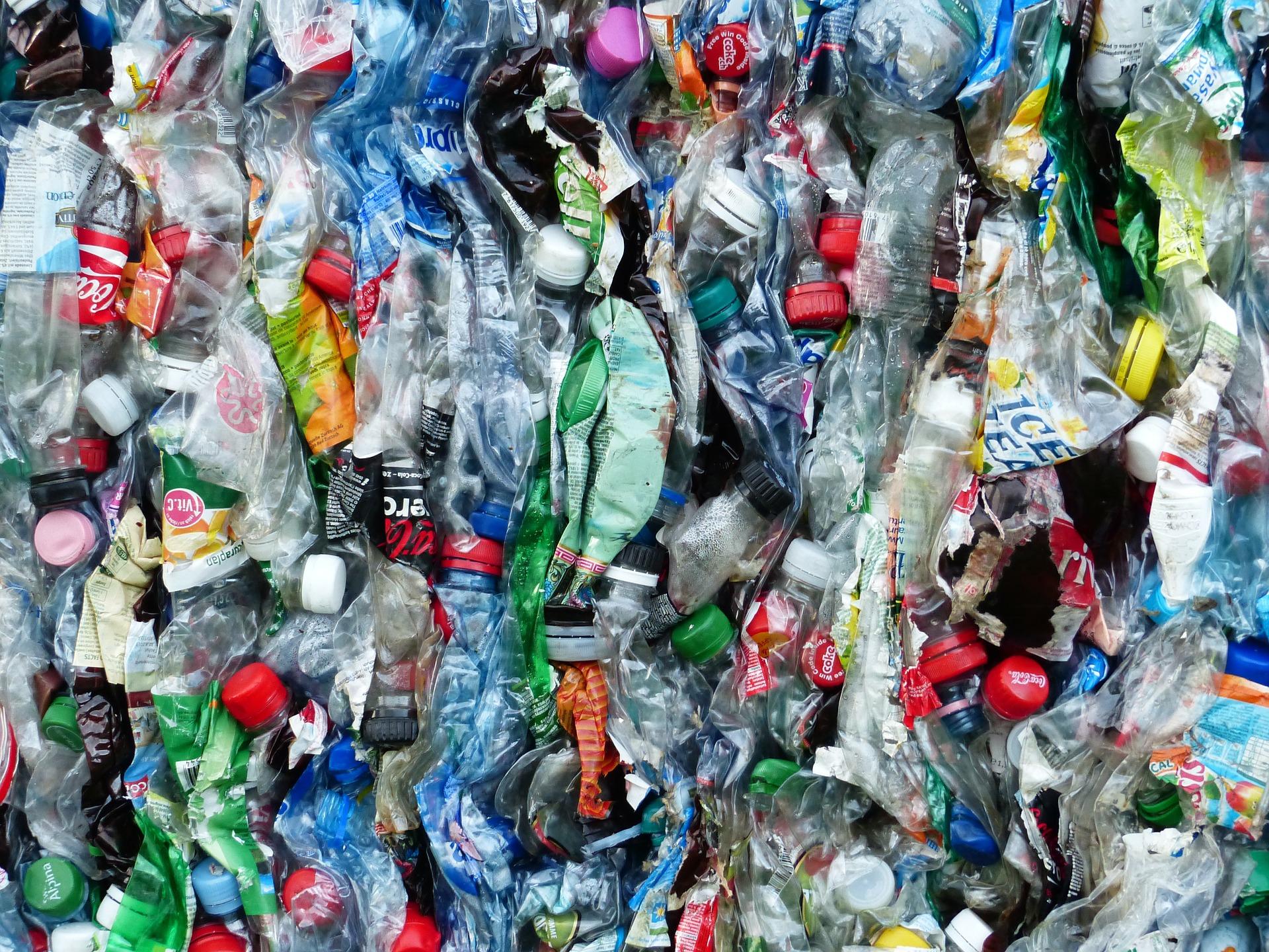 Zéro déchet La Rochelle : Illustration avec des bouteilles en plastiques
